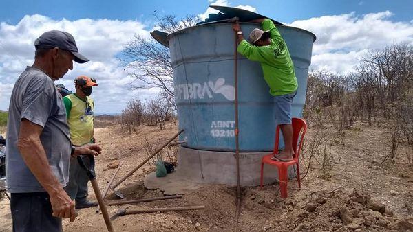 Prefeitura Municipal concluiu mais uma etapa levando água para a população rural.